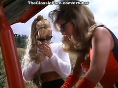 blonde close-up lesbian lick outdoor