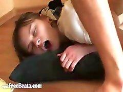 kindje jongen gapend gat russisch anaal