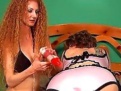 lesbiennes brunettes strapon seksspeeltjes