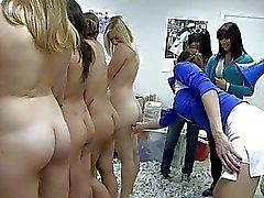 faculdade meninas da faculdade garota com garota atos trotes quente lesbo pornô