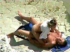 amateur plage nudité en public