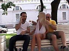 anal blondine blowjob fingersatz