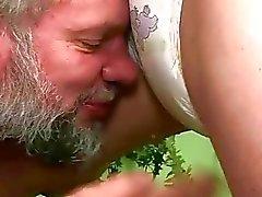 fetiche chuva dourada xixi pornô