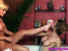 babe blonde brunette fingering hd