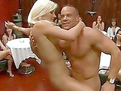 oral seks blowjobs eylem cfnm cfnm parti cfnm porno videoları