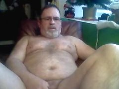 mature chubby solo male