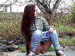 brunette fétiche de plein air