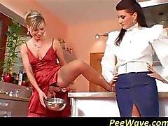 pijpbeurt fetisch pissing drietal