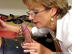 lady sonia kinky kink hand-job lady-sonia