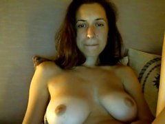 amateur brunette softcore solo webcam