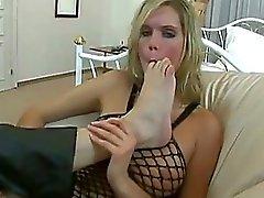 fetiche por pés peidos velhos sucção do dedo do pé