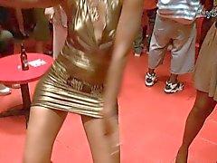 zwart en ebony publieke naaktheid voyeur