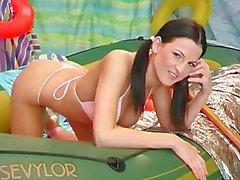 pigtails bikini höschen vollbusig