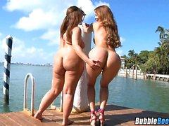 arsch strand big boobs