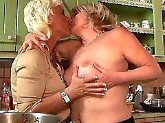 lesbian lesbian moms lesbian sex lesbian sex movies lesbisch