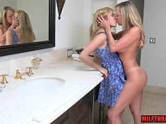 blondine blowjob lecken