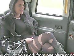 amateur babe blowjob brunette