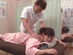 asiatique gros seins massage