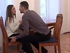 pipe brunette éjaculation