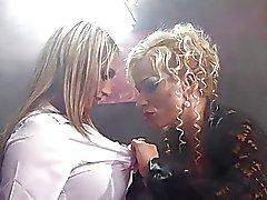 milfs lesbianas grandes tetas rubias