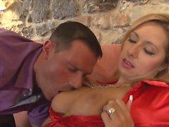 babe blondin gjutning doggystyle europe