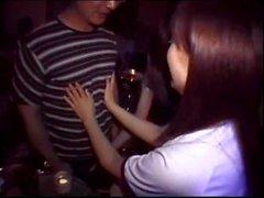 nudité en public sexe en groupe japonais bar