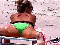 plage cames cachées étudiante voyeur