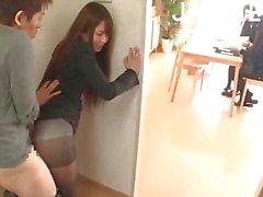 japanse aziatisch panty publiek orale seks