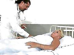 doktorlar büyükanne lanet büyükanne anneanne porn video anneanne seks filmleri