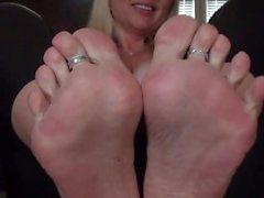 foot-fetish feet violet-bliss