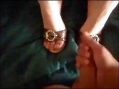 Amateur ShoeJob HeelJob Cum on Shoe - LoversHeels@Pornhub