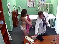 amateur brunette hardcore cames cachées réalité