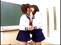 asya lezbiyen kız öğrenciler