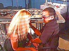 casal sexo oral escravidão loira caucasiano