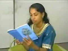 amatööri karvainen intialainen