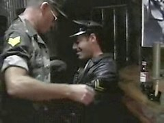 гей пап геи военный