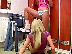 blondine lesbisch teenager spielzeug