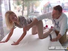 nudité en public massage rough sex