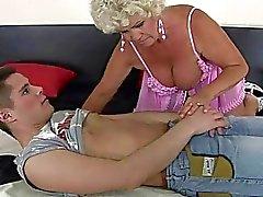 ikäinen suihin kukko imevät seksiä nälkäinen äidit fellation