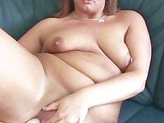 brünett mama puma