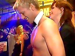 amateuren blowjob blowjobs aktion clubber drunk porno