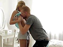 blondine blowjob abspritzen gangbang hd