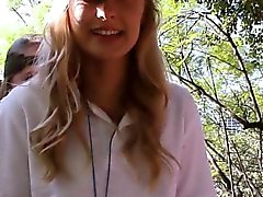 blond brunette doigté sexe en groupe