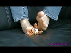 kink anna feet-and-shoes executive-feet feet