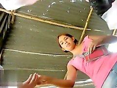 amateur morena cámaras ocultas upskirt voyeur