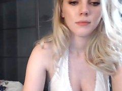 amateur babe blonde masturbation