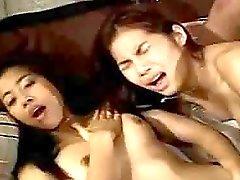 ryhmäseksiä hieronta thai tyttöjä