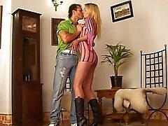 julie silver casal sexo vaginal