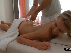 amateur bébé blond massage