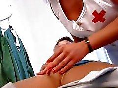 las madres y los niños enfermeras